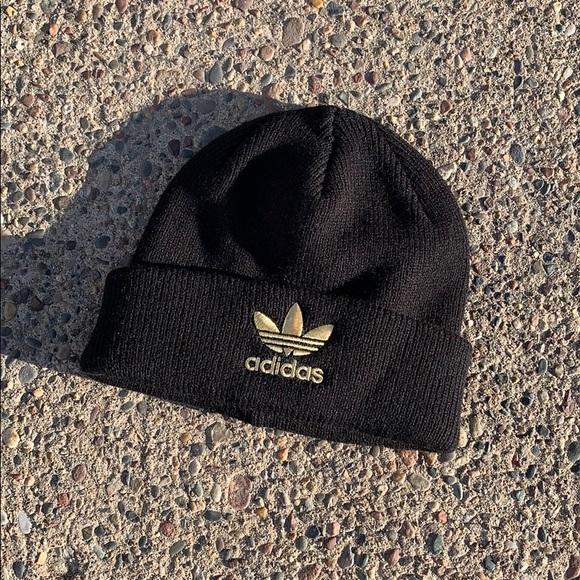 7416918fec5ce adidas Accessories - Black and gold Adidas trefoil beanie